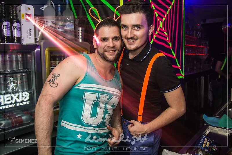 limelight club bar toulouse ambiance gay et lesbienne photos de la soir e 39 soir e fluo 39 du. Black Bedroom Furniture Sets. Home Design Ideas
